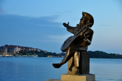 Evert Taube sculpture